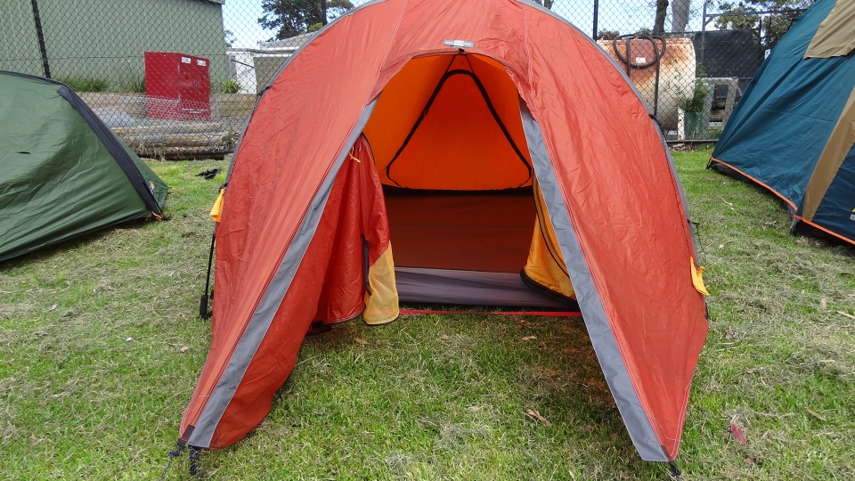 The door has a flyscreen and fly both can be zipped up independently allowing for as much or little airflow as desired. Its very stable under blustery and ... & Back To Nature:: Exped Sirius II Extreme - Equipment Review - Tent
