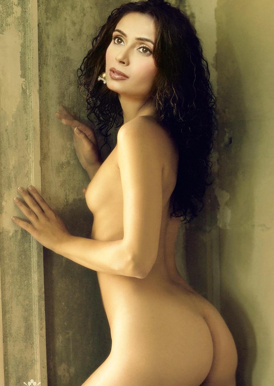Julie Benz Nude Scenes