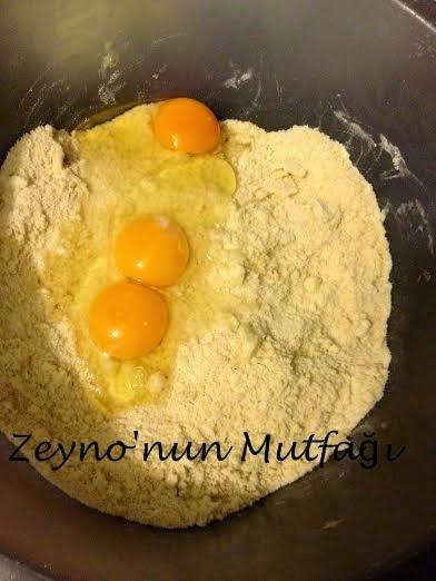 http://zeynonunmutfag-zeynep.blogspot.com.tr/2015/02/sevgililer-gunu-kurabiyesi.html