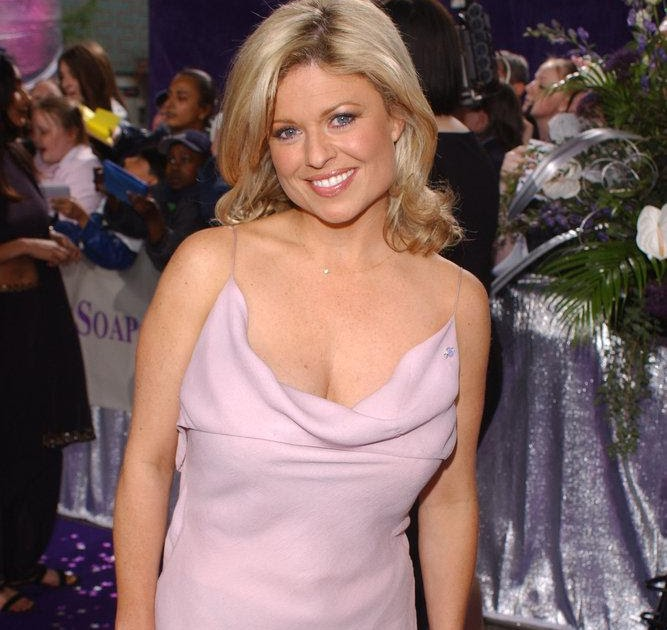 Fashion News Inspired Sexy Emily Symons