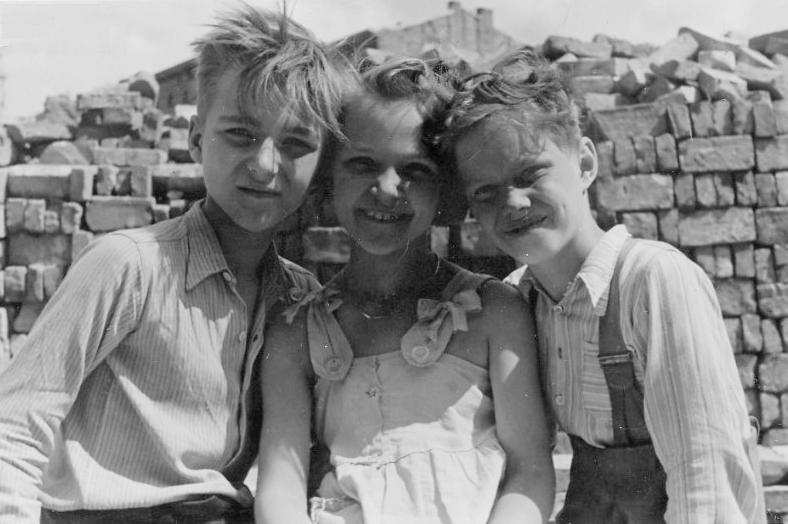 the young generation in germany Generation exodus: the fate of young jewish refugees from nazi germany dspace repository.