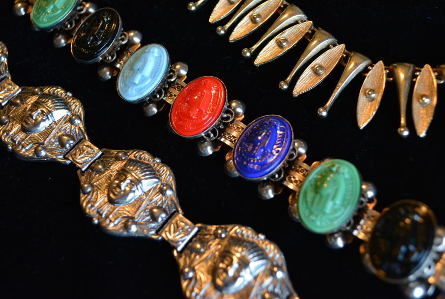 Collecting Vintage Jewelry: Tips On Getting Started