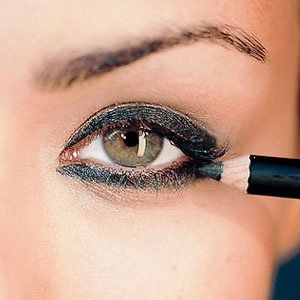 How to Apply Pencil Eyeliner, Apply Pencil Eyeliner, Pencil Eyeliner, eyeliner tips, eyeliner