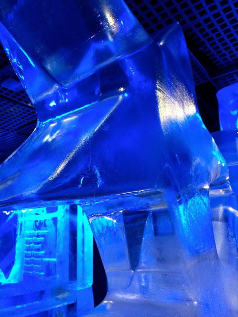 star ice sculpture at #BloggersBelowZero: Ice Bar London