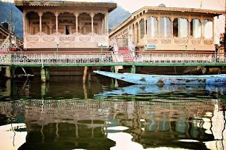 Srinagar (Best Honeymoon Destinations In India) 2
