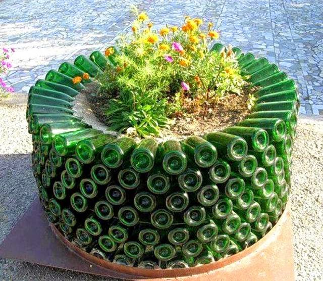 creative pots for plants connecting friends