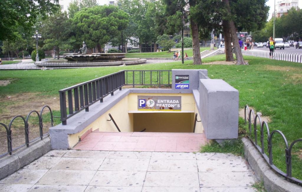 entrada aparcamiento plaza españa