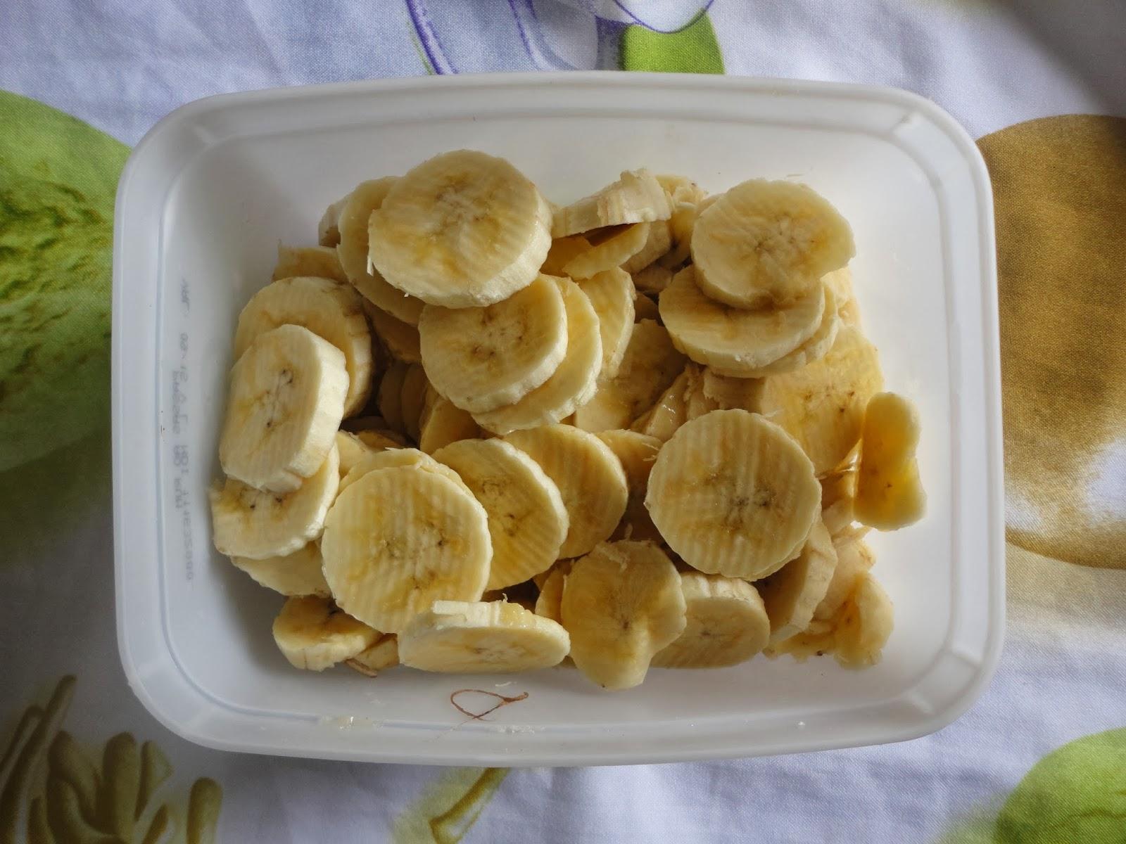 Sorvete delicioso de banana e banana com morangos!!! Faça