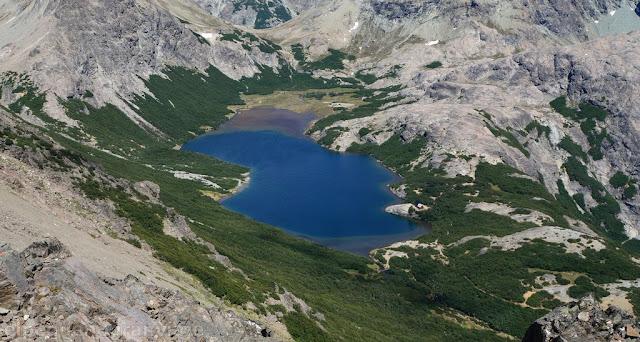 Laguna jackob, refugio san martin, bariloche, argentina, andes, patagonia