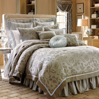 Designer-Bed-Sheet-in-Luxury