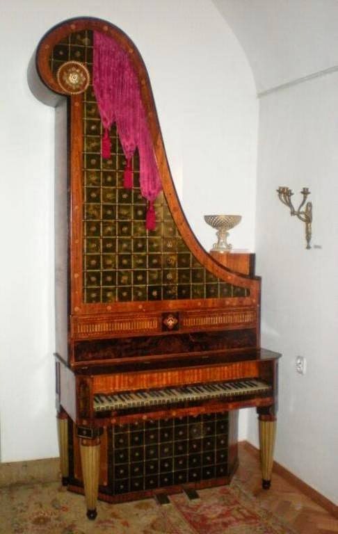 "<img alt=""Historia pianina"" src=""historia-pianina.jpg"" />"