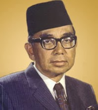 "tun abdul rahman biography essay None would deny the role tunku abdul rahman played in securing our independence and bringing about the formation of malaysia here are some leadership lessons despite being born with a silver spoon in his mouth, tunku was known to be an open-hearted ""man of the people"" he played with the."