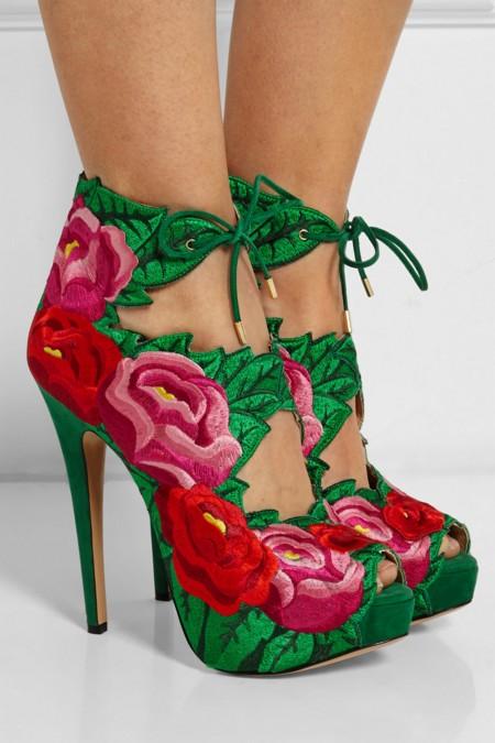 Sandalias florales en satén