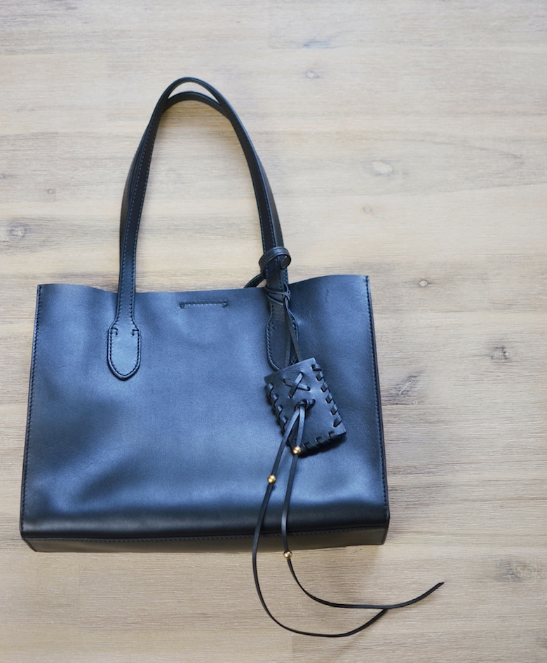 Ralph_Lauren_Polo_Tasche_Leder_Tragetasche_Totebag_schwarz_what'is_in_my_bag