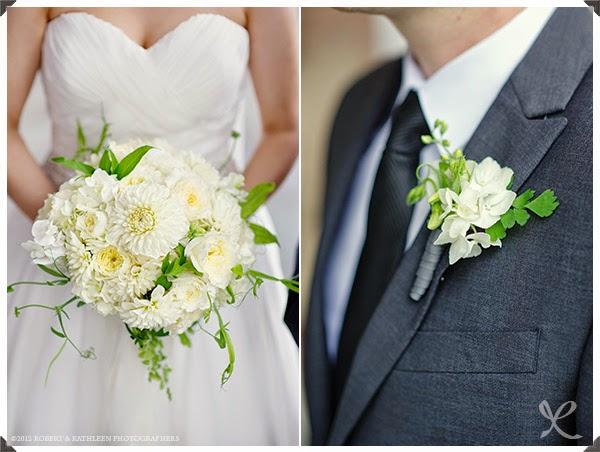 Sweet Pea Boutonniere - Boutonnieres - Wedding Flowers - Groom - Usher - Best Man - Groomsmen - Ushers - Groom's Boutonniere