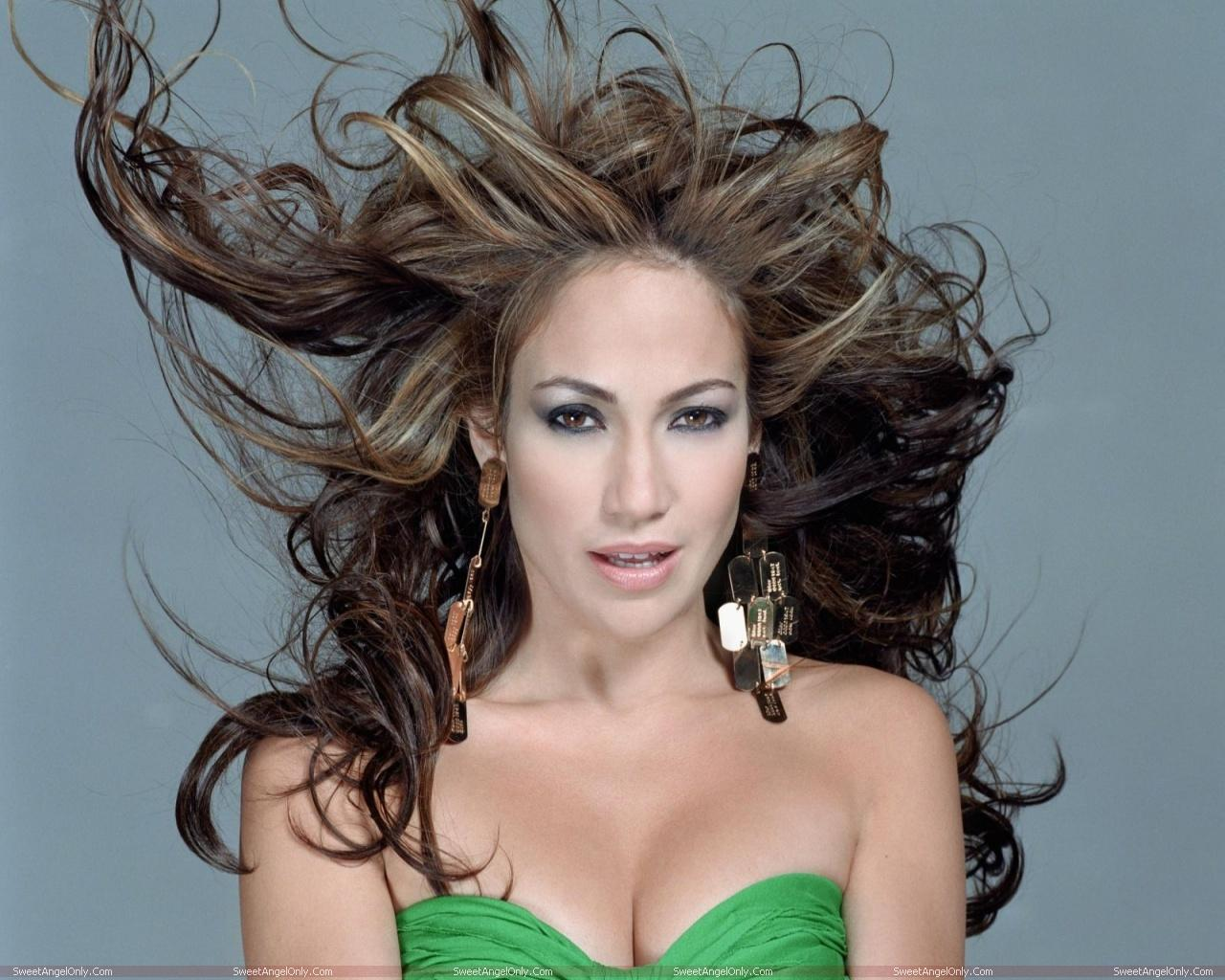 http://4.bp.blogspot.com/-53WHemYxKlw/TWjnCU78yWI/AAAAAAAAE1E/gzGD98kvsPo/s1600/actress_jennifer_lopez_hot_wallpapers_07.jpg