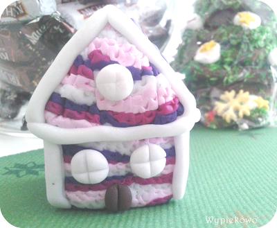 Słodki piernikowy domek i bujane krzesełko