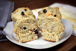 sliced-blueberry-oat-muffins