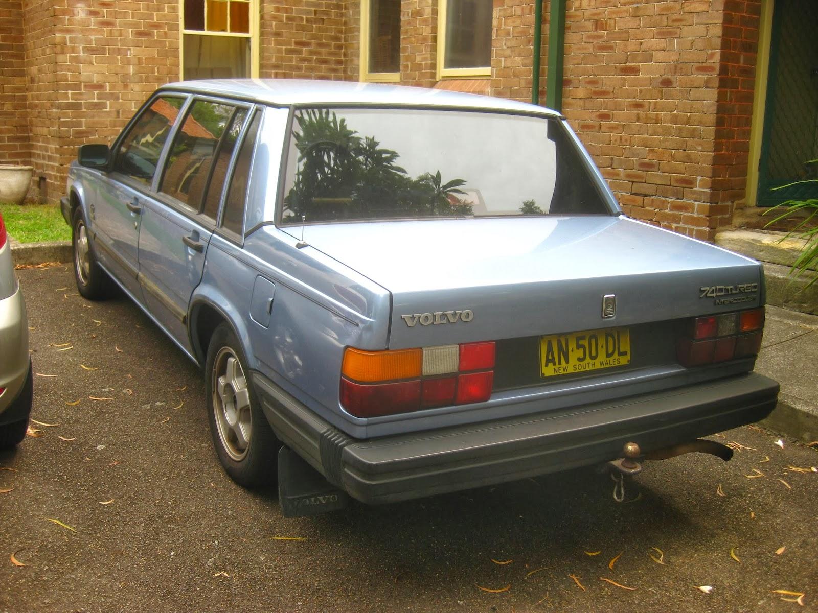 Aussie Old Parked Cars: 1987 Volvo 740 Turbo Sedan