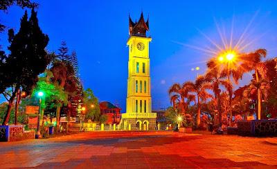 Objek Wisata Jam Gadang Bukittinggi Sumatera Barat (Sumbar)