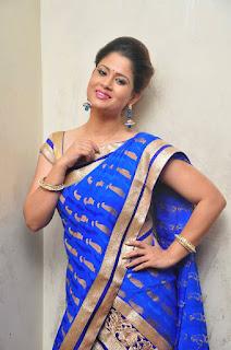 Television Anchor Shilpa Chakravarthy Pictures in Saree at Sitara Audio Launch  02