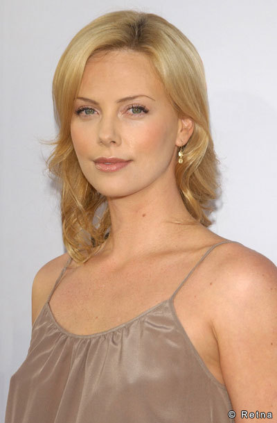 Charlize-Theron-Hot-Pictures-.jpg