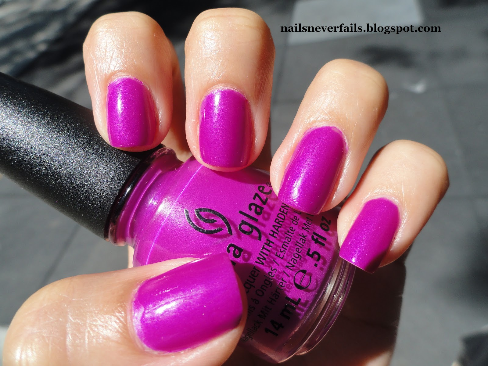 Nails Never Fails: NOTD and TOTD China Glaze Beach Cruise-r