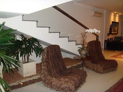 Arist teles queiroz como decorar o espa o embaixo da escada for Huecos de escaleras modernos
