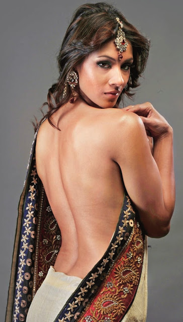 Barkha Bist hot bare back pics