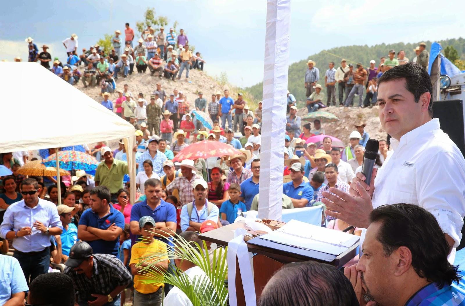 Presidente Hernández pone en marcha la II etapa de la Universidad Nacional Agrícola en Tomalá, Lempira.
