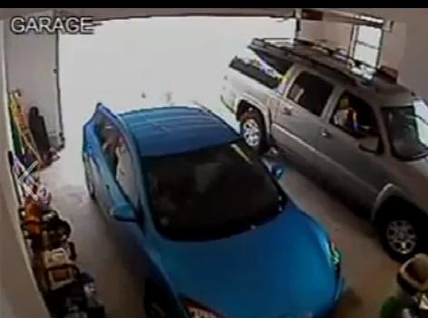 A DIFÍCIL MISSÃO DE TIRAR O CARRO DA GARAGEM