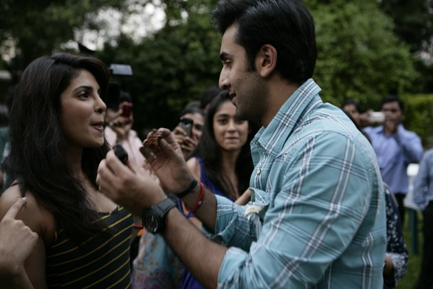 Ranbir Gets Birthday Bash With Co-Stars