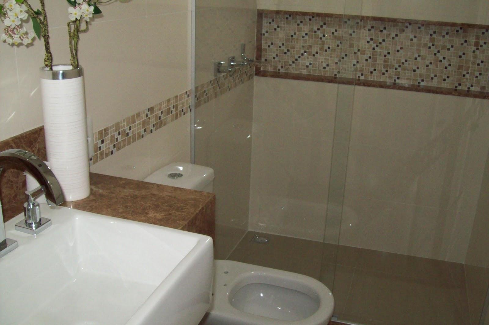 Postado por Construções Domingos às 09:47 Nenhum comentário: #5E4E3B 1600x1066 Banheiro Com Porcelanato Retificado
