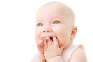 Sevimli Gülen Bebek