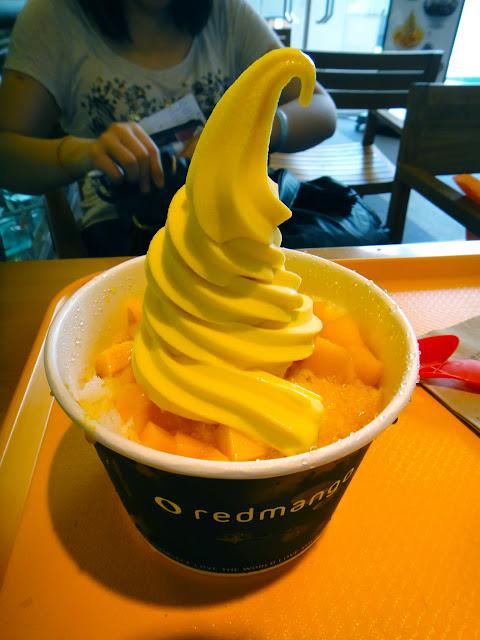 Mango Frozen Yoghurt at Red Mango in Dongdaemun Seoul
