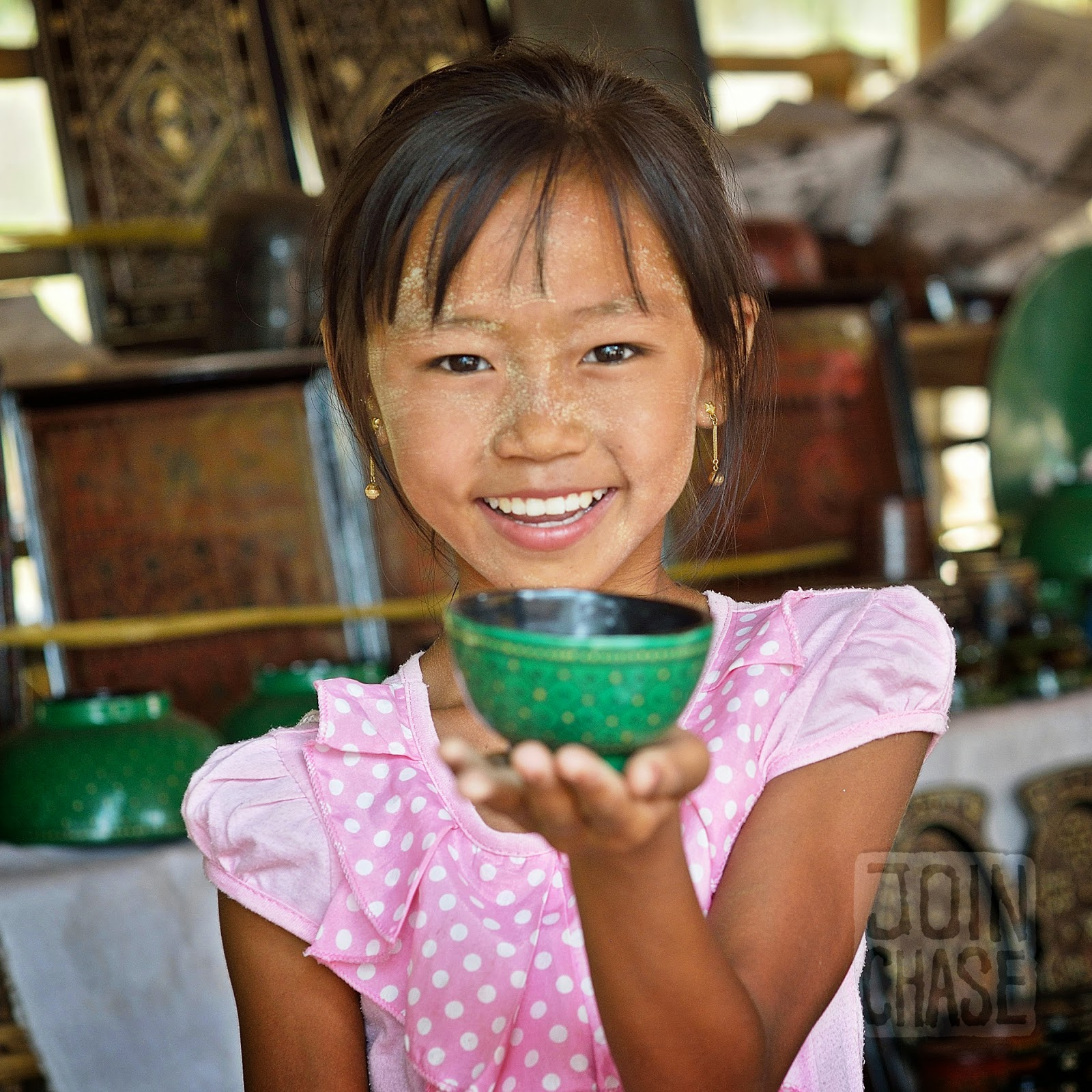 A girl selling lacquerware in Bagan, Myannar.