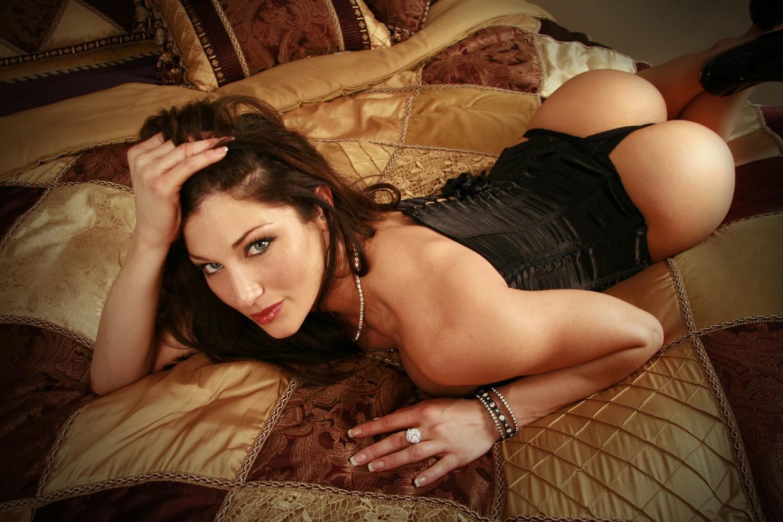 http://4.bp.blogspot.com/-55CYjaohds8/T18RMG9mlBI/AAAAAAAABuE/OqYzZP2FKpk/s1600/Lingerie%2B1.jpg