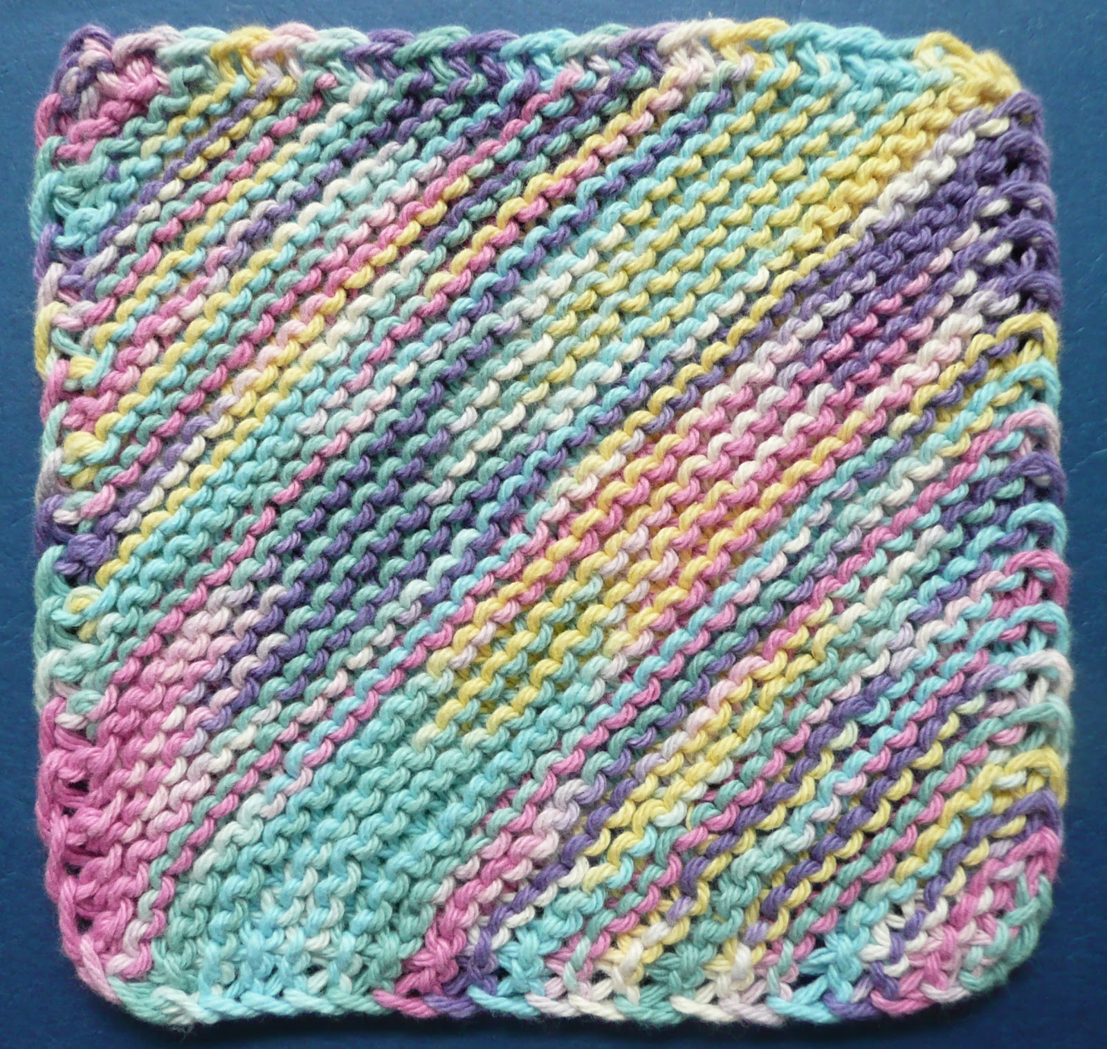 Knitted Dishcloth Patterns For Variegated Yarn : Perfect One-Ounce Dishcloth - FREE Patterns