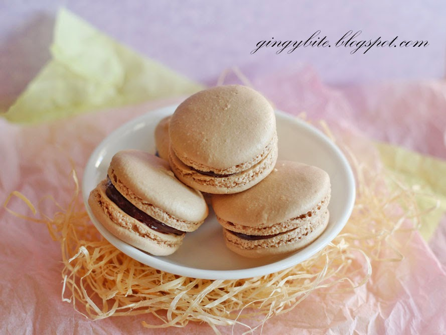 No Coloring Added Basic Nutella Macaron