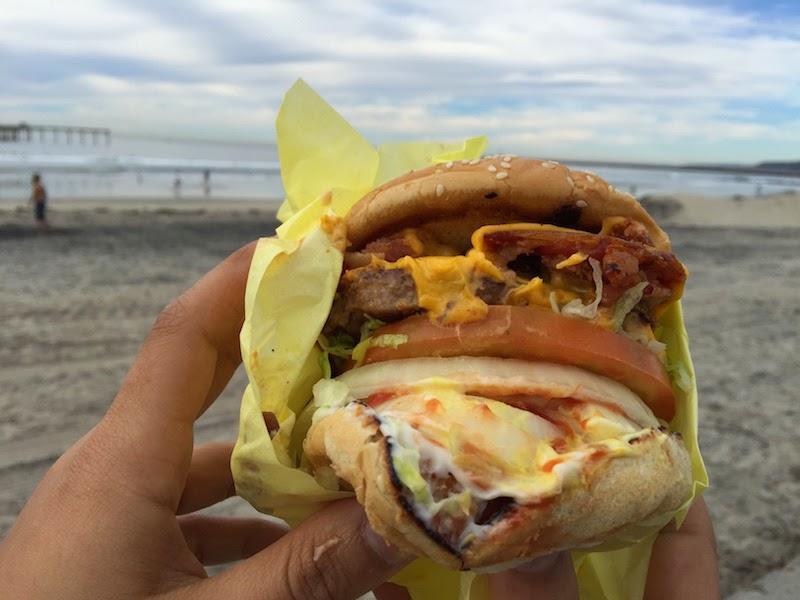 Bacon cheeseburger at Hodad's