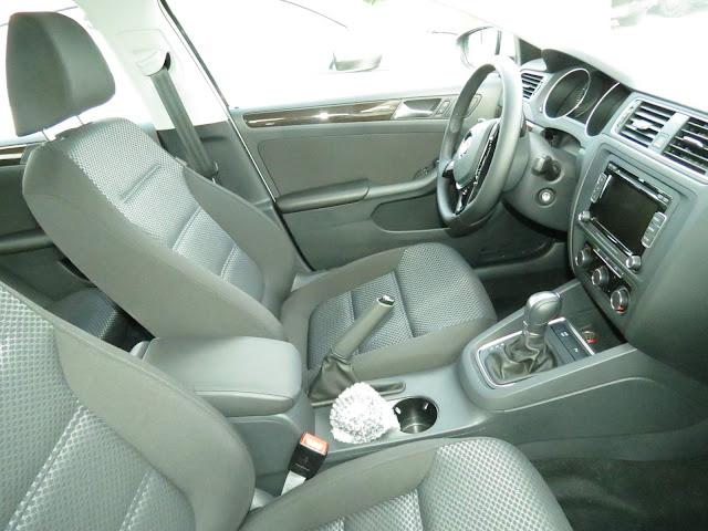 VW Jetta Comfortline 2015 - interior