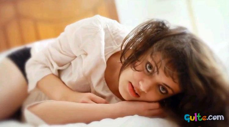 Sneha Ullal hot Photos