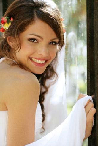 Genç kızlar için gelin düğün saç modelleri 2012 2013