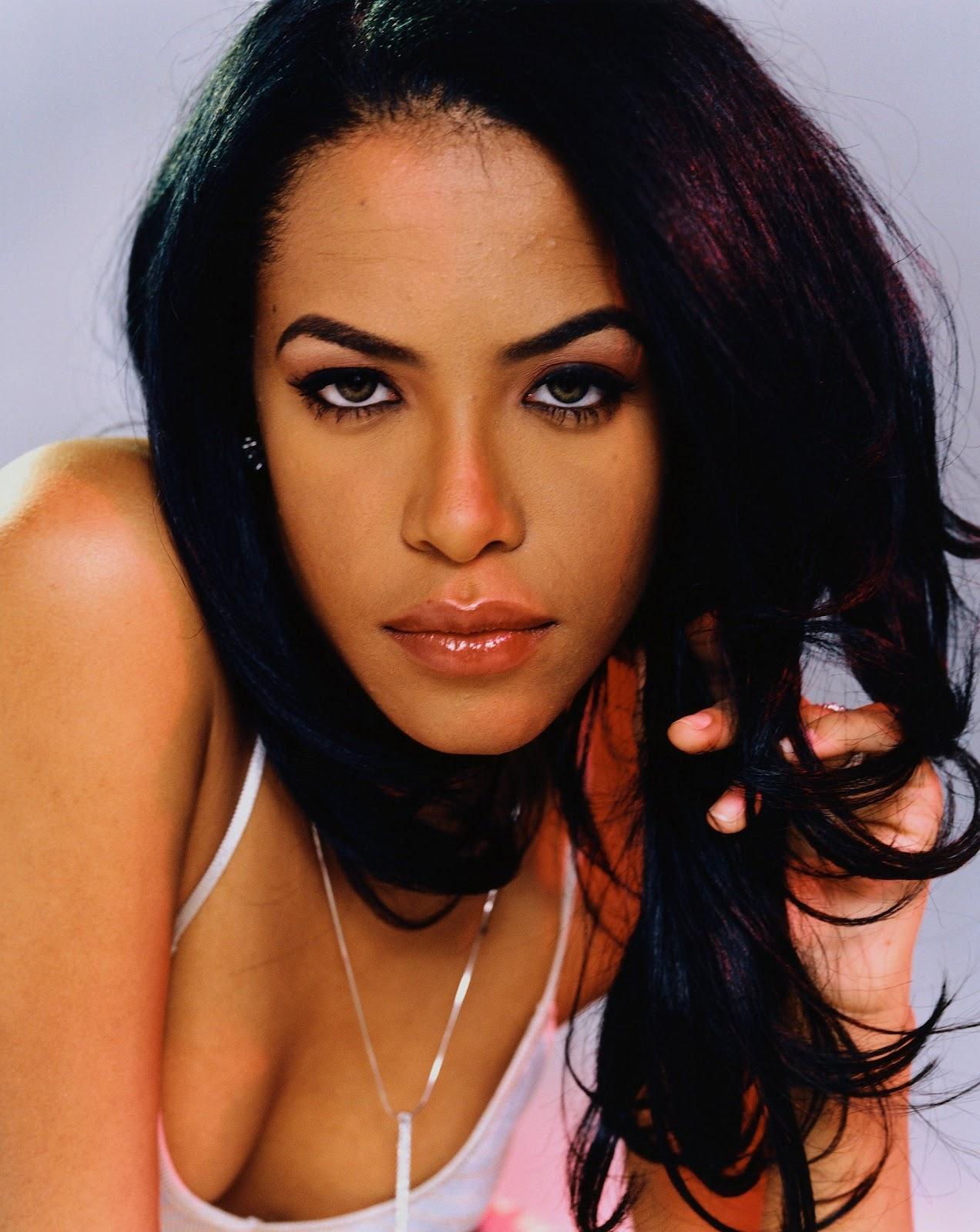 http://4.bp.blogspot.com/-55ybYoXW34A/T3yQeuuJnmI/AAAAAAAAA_s/emszsW_jbyk/s1600/Aaliyah-wallpapers.jpg