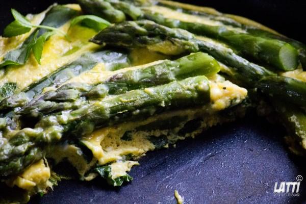 Frittata met asperges & munt