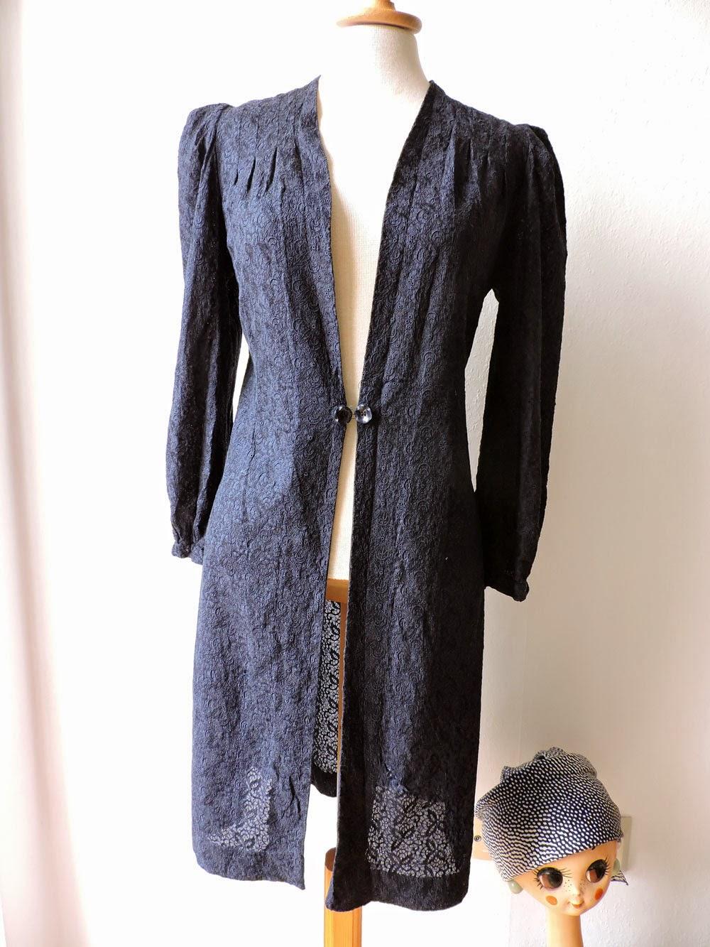 http://www.ebay.de/itm/Mantel-True-Vintage-30er-Spitze-Kleid-Gr-36-Blau-40er-Kleid-/161612768546?pt=DE_Vintage_Mode_f%C3%BCr_Damen&hash=item25a0df2522