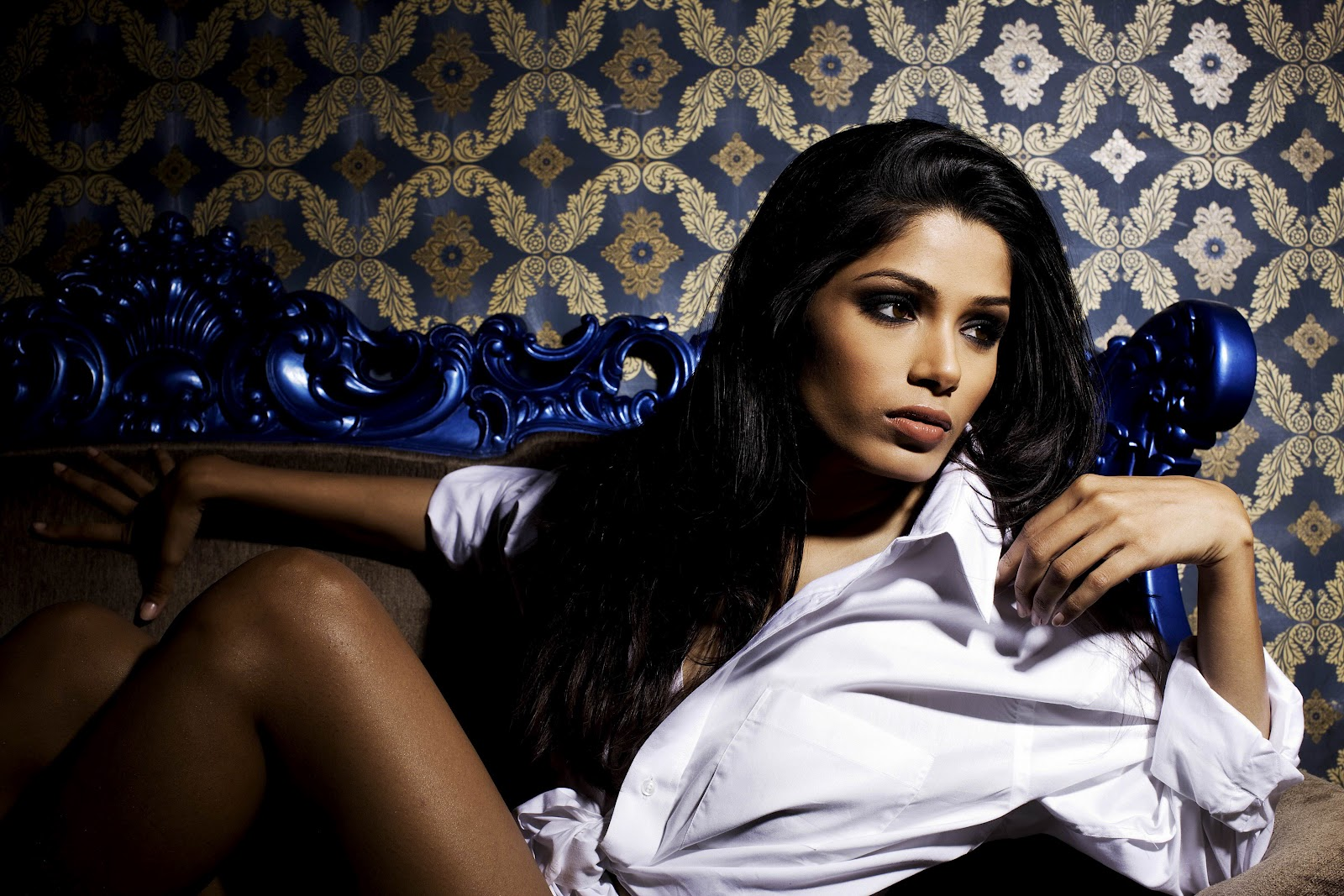 http://4.bp.blogspot.com/-565zP1YjRyw/T-l_E_80muI/AAAAAAAAIqU/nCb5TZ7U4hM/s1600/Freida-Pinto-Hot-Photo-Shoot-sd234234234.jpg