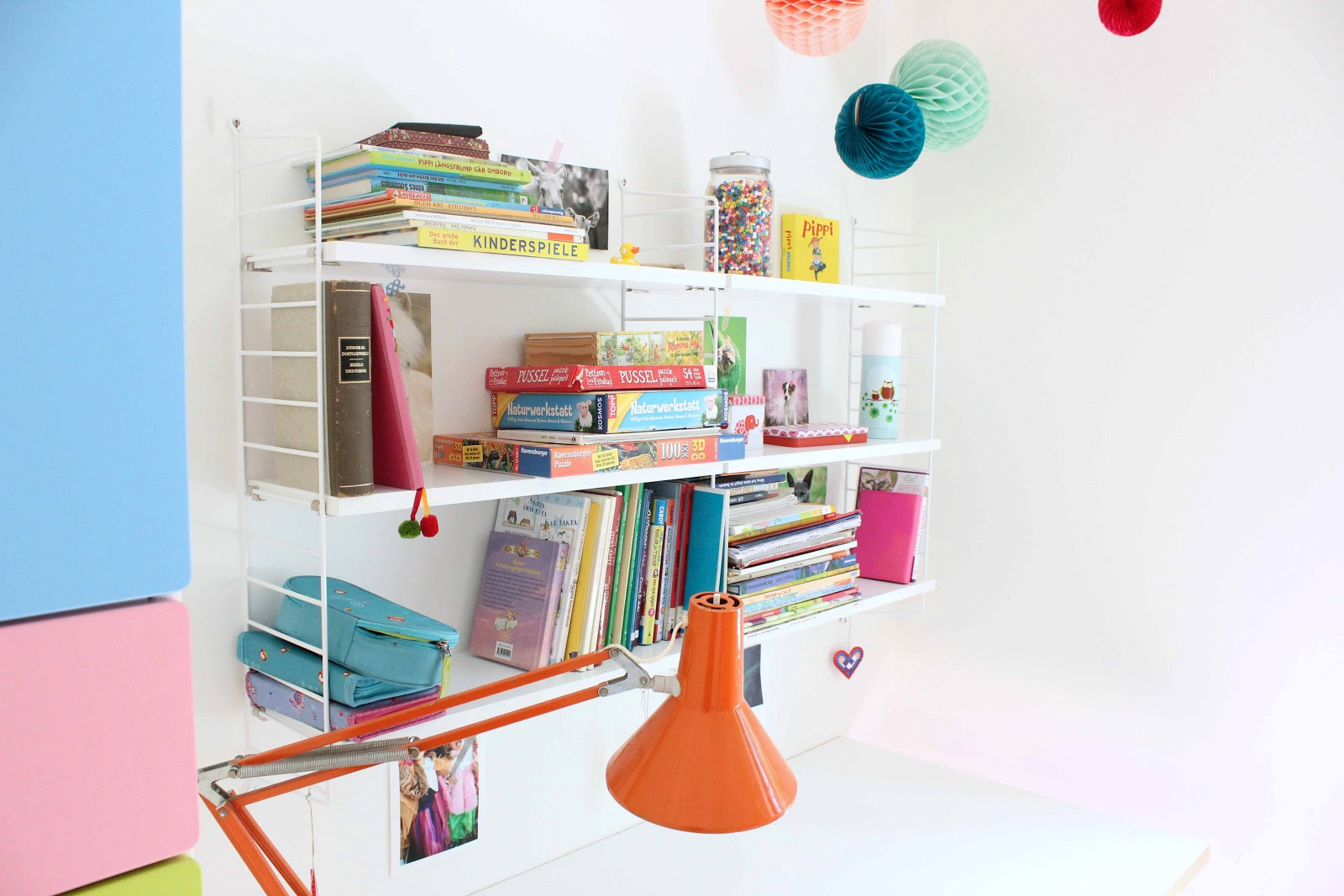 siglinchen string regal der mittleren schwester und. Black Bedroom Furniture Sets. Home Design Ideas