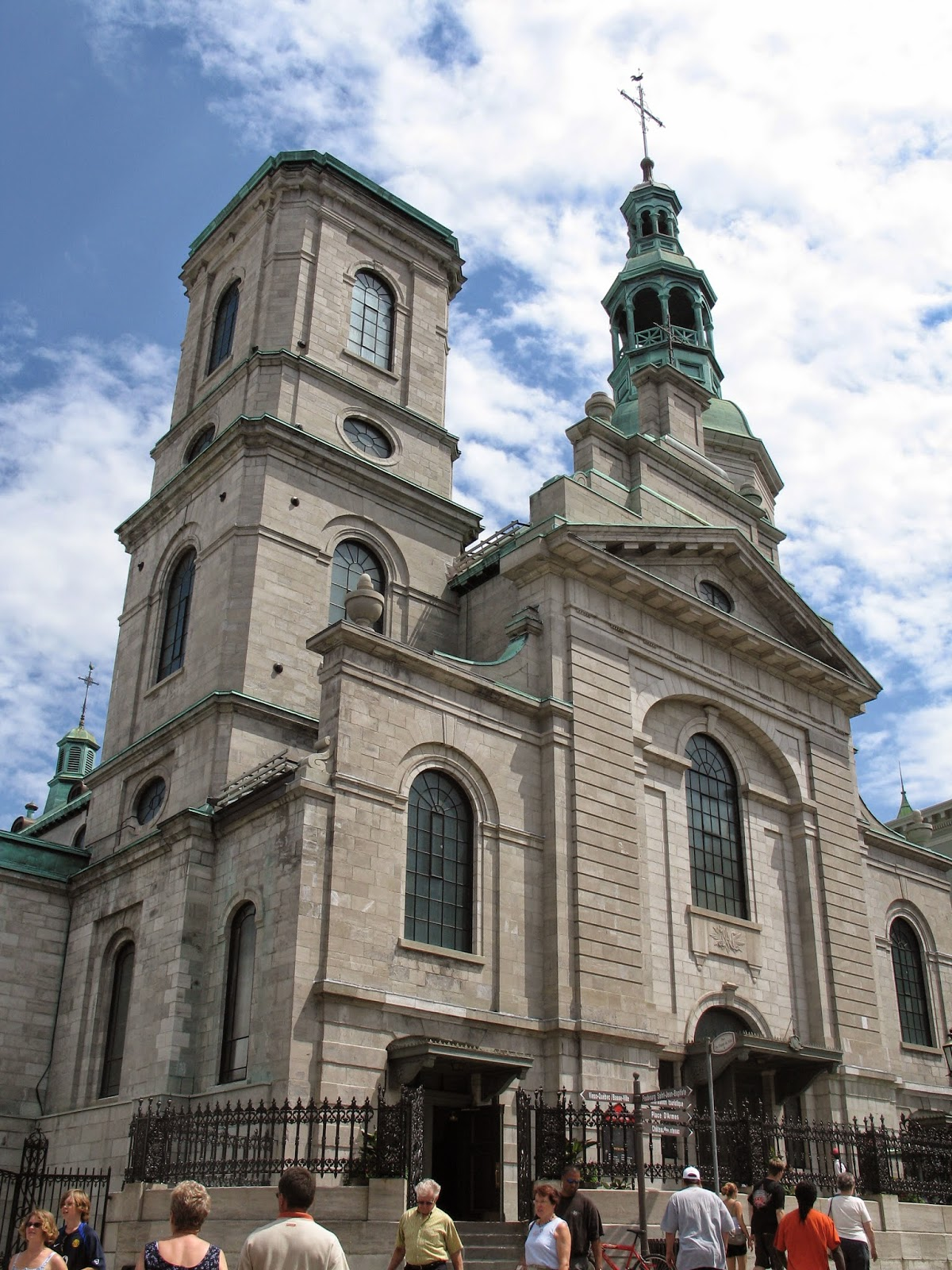 """""""<a href=""""http://commons.wikimedia.org/wiki/File:Basilique-Cath%C3%A9drale_Notre-Dame_Qu%C3%A9bec.JPG#mediaviewer/File:Basilique-Cath%C3%A9drale_Notre-Dame_Qu%C3%A9bec.JPG"""">Basilique-Cathédrale Notre-Dame Québec</a>"""". Licensed under <a href=""""http://creativecommons.org/licenses/by-sa/3.0/"""" title=""""Creative Commons Attribution-Share Alike 3.0"""">CC BY-SA 3.0</a> via <a href=""""//commons.wikimedia.org/wiki/"""">Wikimedia Commons</a>."""