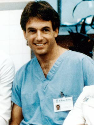 Mark Harmon as Dr Bobby